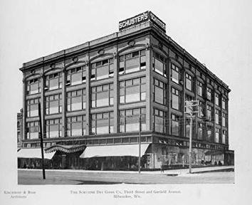 Photo of Schuster's Department Store at Third and Garfield