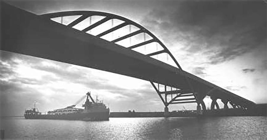 Photo of Hoan Bridge