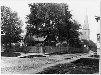 Photo of Streetscene at Greenbush and Pierce with St. John's Church