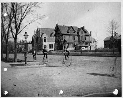 Photo of Bicyclists on 23rd and Wisconsin
