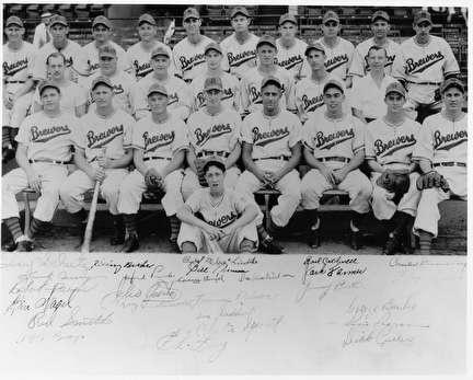 Photo of Brewers Baseball Team at Borchert Field
