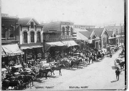 Photo of German Market in 1899 located on Juneau Avenue