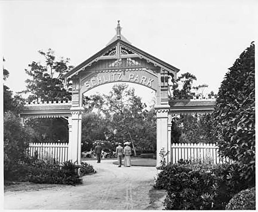 Photo of Schlitz Park Entrance Gate; Carver Park