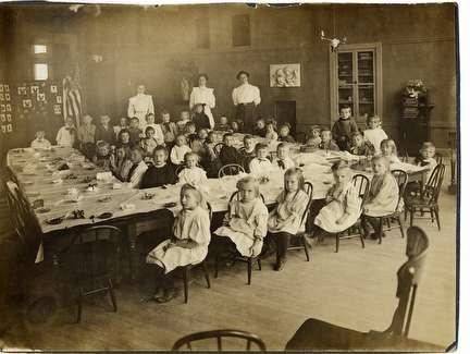 Photo of Jones Island School Children at U-Shaped Table