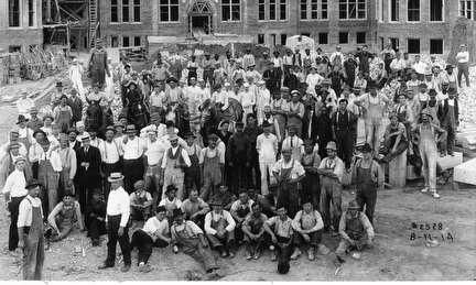 Photo of Workers Building Milwaukee Institutions Grounds, 1913-14