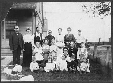 Photo of Olsen Family Portrait