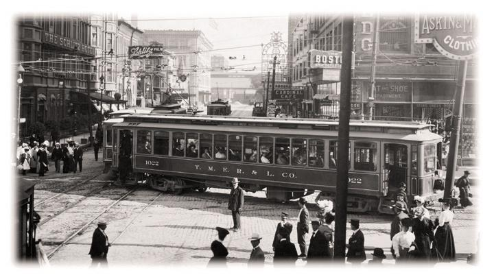 Photo of Trolley Turns a Corner Downtown