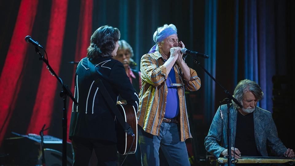 Nitty Gritty Dirt Band performing.