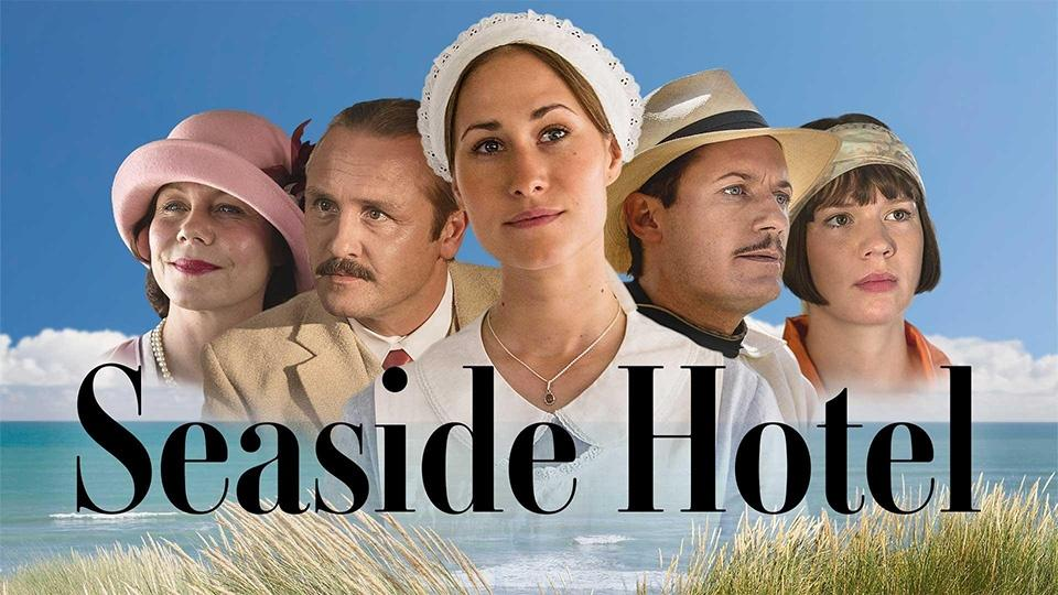 The cast of Seaside Hotel.