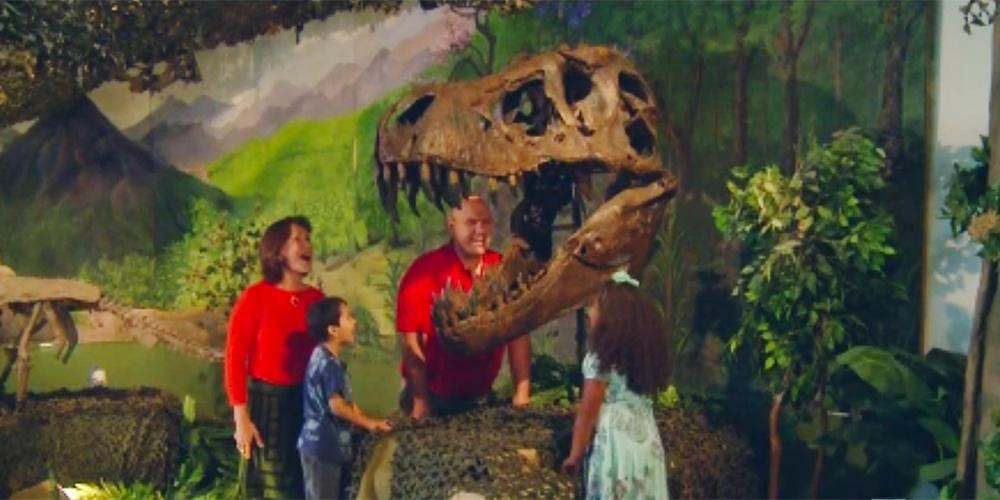 Dinosaur Exhibit Field Trip