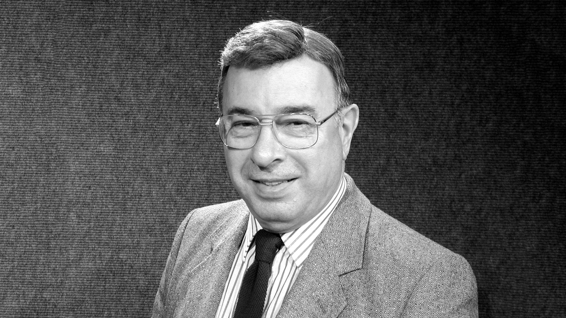 Bruce Turner, Former Station Manager, Dies at 82