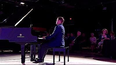 Scottish pianist Geoffrey Duce