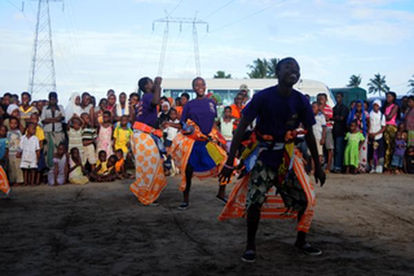 Tanzanian Teen Dances to Educate on HIV
