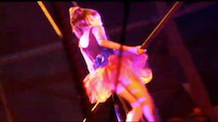 DragonflyTV | Circus Stunts