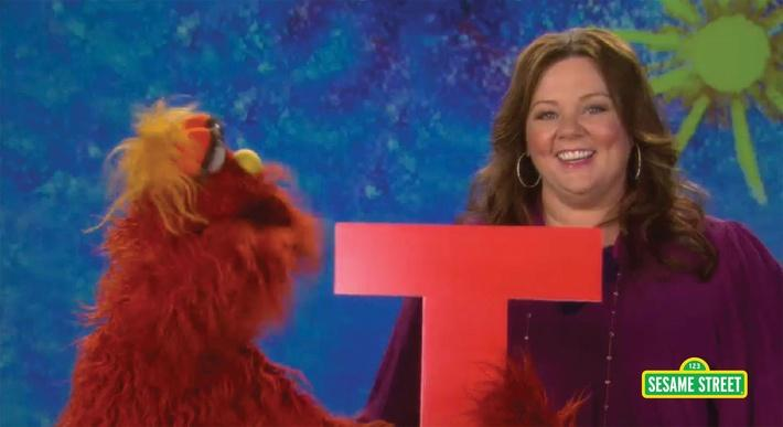 Melissa McCarthy: Letter T Quiz with Murray | Sesame Street