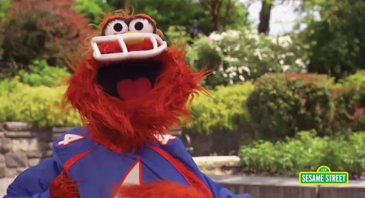 Word on the Street: Athlete with Murray | Sesame Street