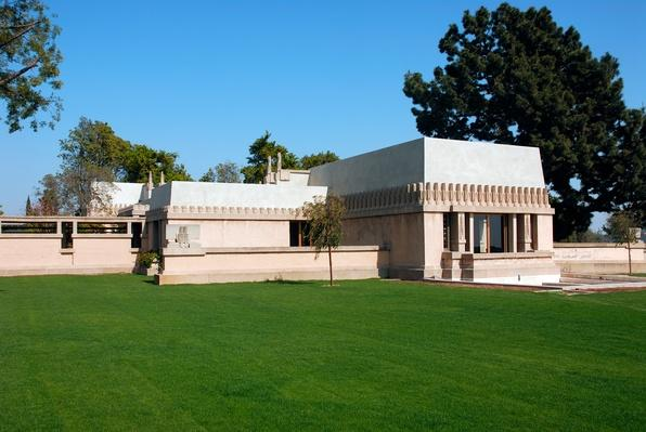 Exterior of Frank Lloyd Wright's Hollyhock House, Los Feliz | Famous American Architecture