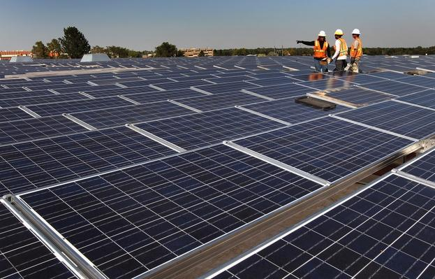 Recovery Act Funds Large Scale Solar Project At Denver Federal Building | The Study of Economics