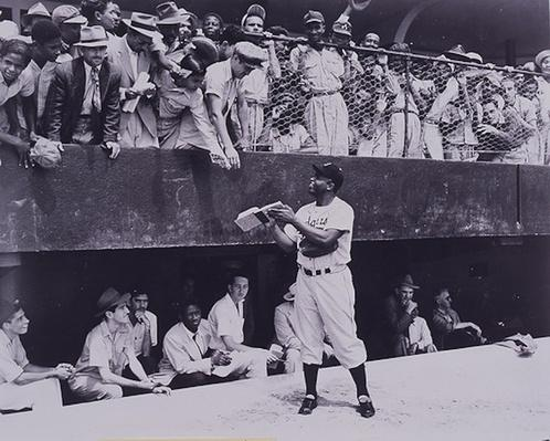 Jackie Robinson Signing Autographs | Ken Burns: Baseball