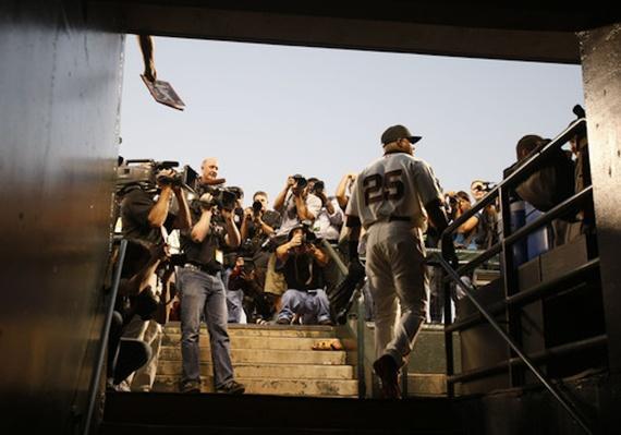 Barry Bonds Faces The Media | Ken Burns: Baseball: The Tenth Inning