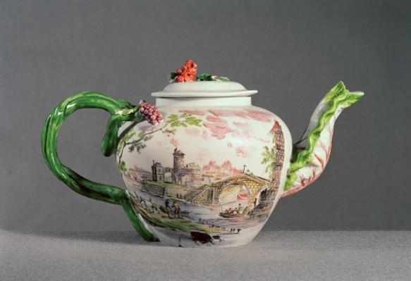 Longton Hall teapot, c.1755