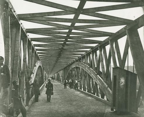 Federal Soldiers on Chain Bridge, 1865 | Ken Burns: The Civil War