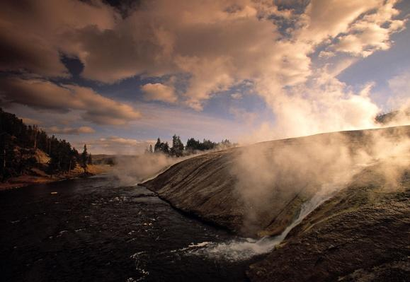 Midway Geysir Yellowstone Nat. Park Wyoming USA | Earth's Surface