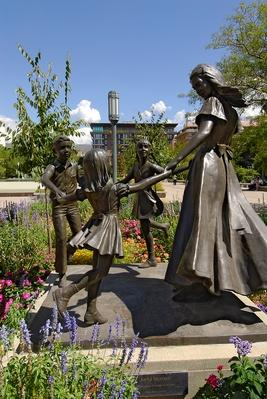 Statue of Mormon woman with children | World Religions: Mormonism