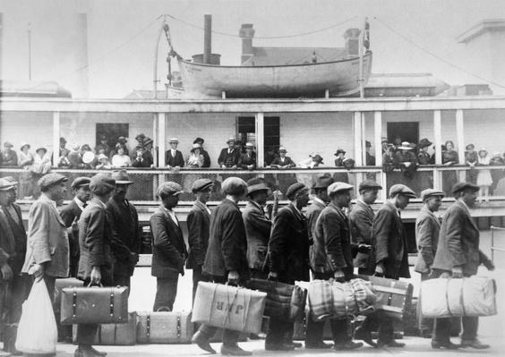 Immigrants tote their belongings in suitcases heading to America | U.S. Immigration | 1840's to present | U.S. History