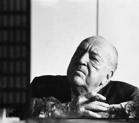 Mies van der Rohe | Famous Architects