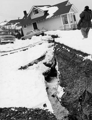 Destruction caused by the Alaska earthquake of 1964 | Natural Disasters: Hurricanes, Tsunamis, Earthquakes