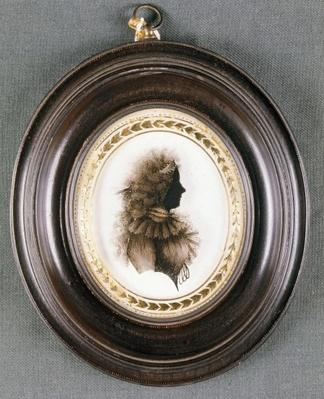 Silhouette of a lady, painted on convex glass, by Mrs Isabella Beetham, late 18th century