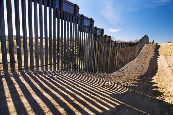 United States border fence, US/Mexico border | U.S. Immigration | 1840's to present | U.S. History