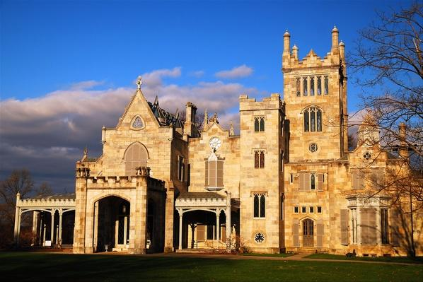 Lyndhurst Castle, Tarrytown, NY | Famous American Architecture