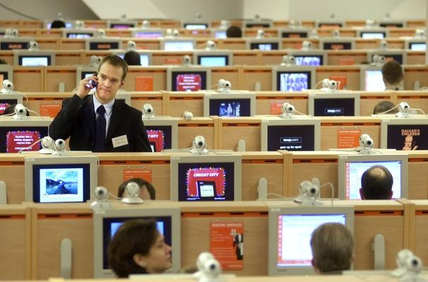 Largest Internet Cafe in Times Square | History of the Computer