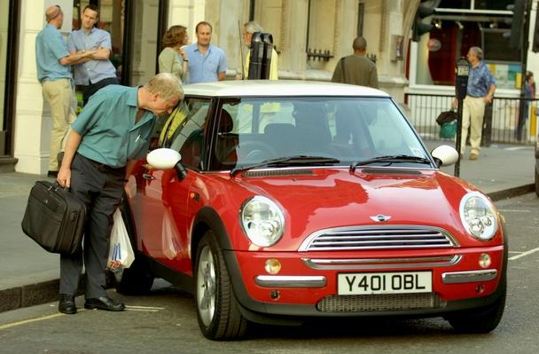 New Mini Cooper Car is Unveiled in London | Evolution of the Automobile