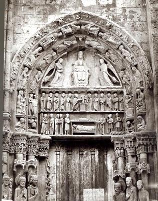 Right bay of the Royal Portal, mid-12th century