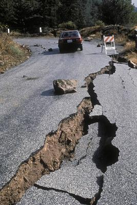 EARTHQUAKE DAMAGE TO ROAD NEAR SANTA CRUZ, CALIFORNIA. 1989 H | Natural Disasters: Hurricanes, Tsunamis, Earthquakes