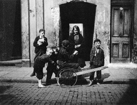 Children in a London slum