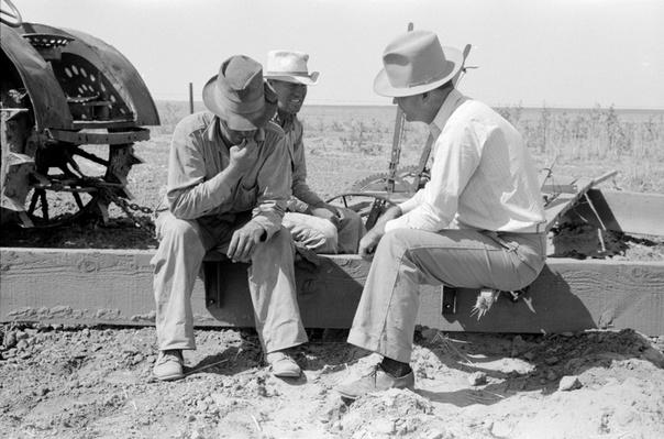 A Government Official Talks To Two Farmers | Ken Burns: The Dust Bowl