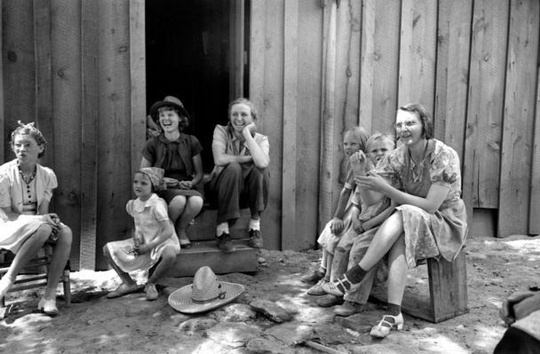 Women and Children Socializing   Ken Burns: The Dust Bowl