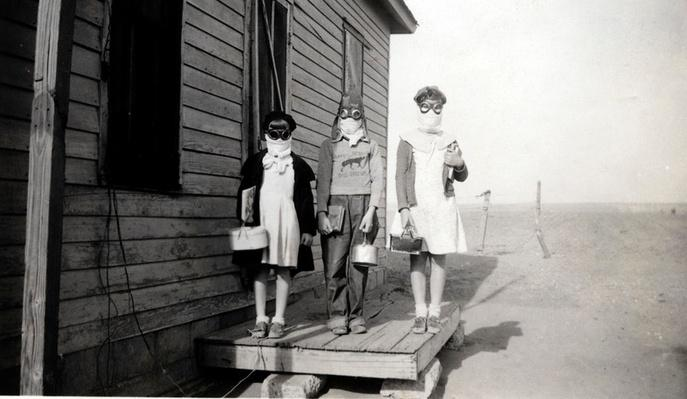 Kids Head to School with Goggles and Dust Masks | Ken Burns: The Dust Bowl