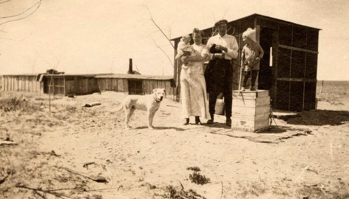 Edgar and Rena Coen in Front of Their Kansas Dugout | Ken Burns: The Dust Bowl