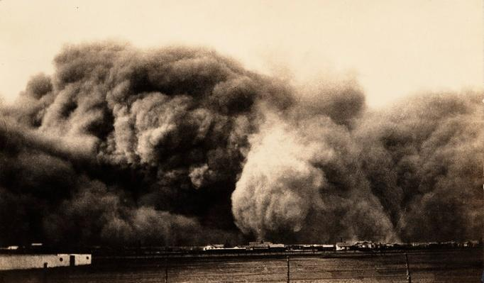Dust Storm Approaches Perryton, Texas on Black Sunday | Ken Burns: The Dust Bowl