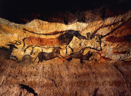 Images of animals, wall painting in Lascaux Cave | UNESCO World Heritage Site