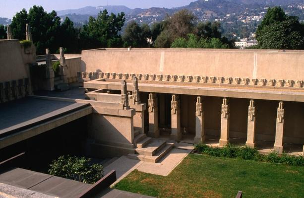 "First example of Frank Lloyd Wright's ,""Califoria Romanza"" style 