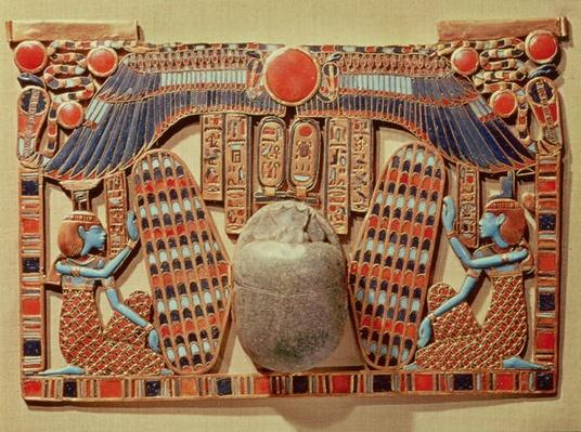 Pectoral decorated with the winged scarab protected by Isis and Nephthys, from the tomb of Tutankhamun