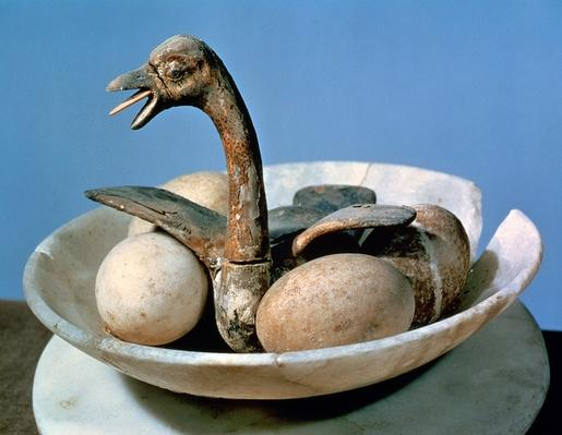 Lid of an alabaster jar decorated with a bird in a nest containing eggs, from the tomb of Tutankhamun