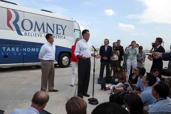 Mitt Romney Continues His Multi State Bus Tour In Florida | U.S. Presidential Elections 2012
