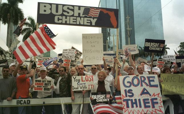 Protesters Keep up the Pressure in Florida | U.S. Presidential Elections: 2000